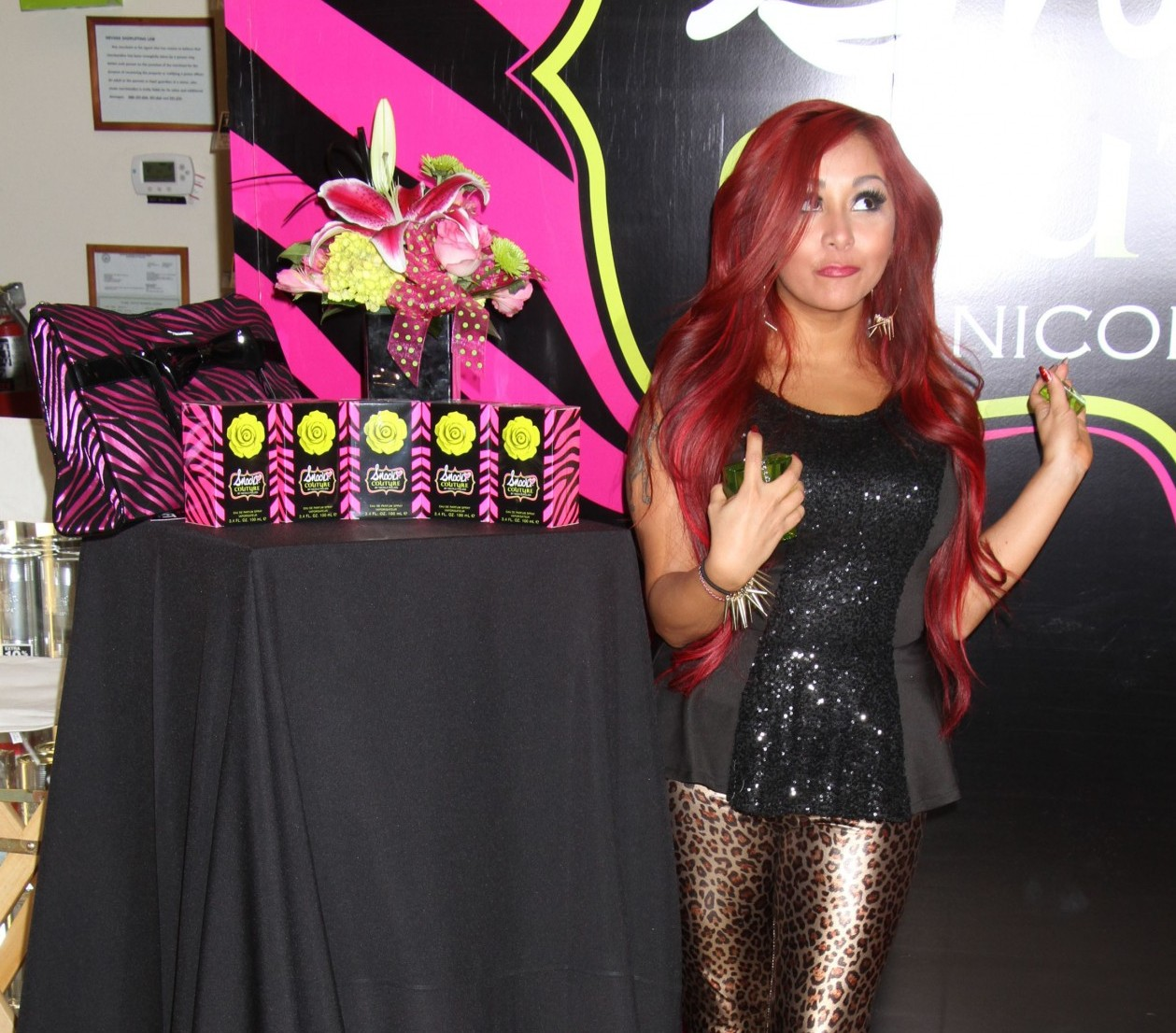 Snooki Introduces Her Headphones and iPad Cases at CES
